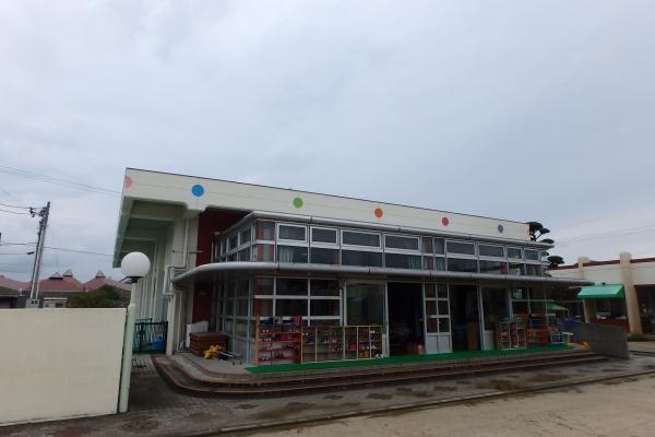 観音寺市立大野原幼稚園:内部塗装クロス工事