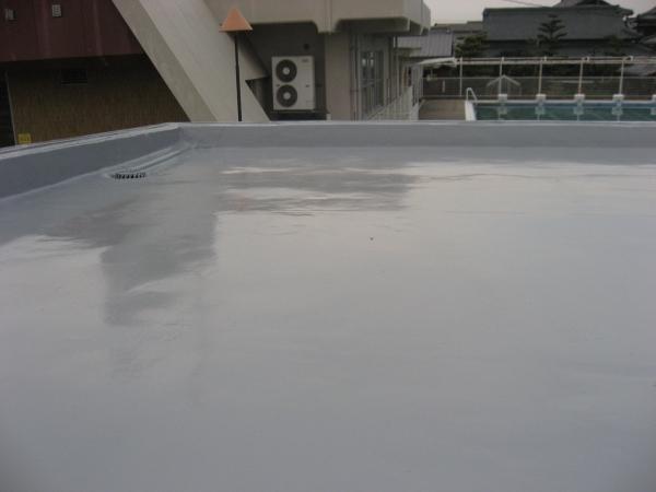 三豊市立下高瀬小学校:プール更衣室屋根修繕工事