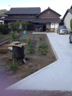 公道から家までの私道(高松市S様邸)