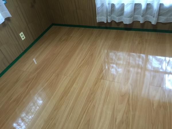 室内の床改修を行いました♪